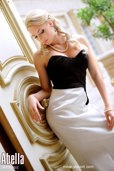 Abella, Russian escort in Milan who offers massages