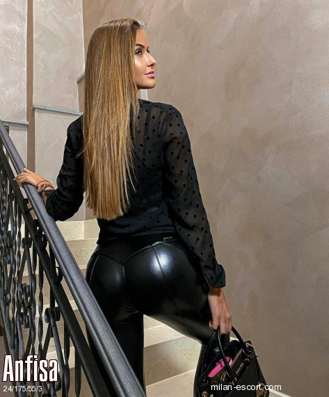 Anfisa, Russian escort in Milan who offers french kissing